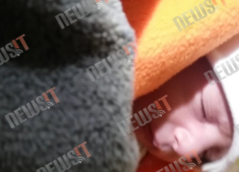 refugee-baby-camp-greece