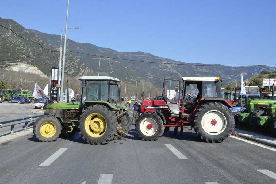 Greek farmers in protest mood, plan to block roads and national highways