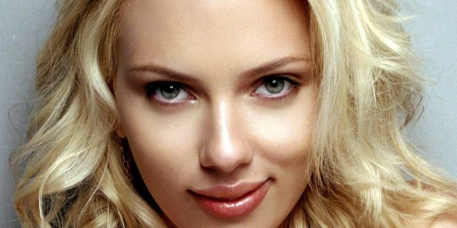 Scarlett Johansson surprised Greek FinMin wanted to go for cocktails with her VIDEO