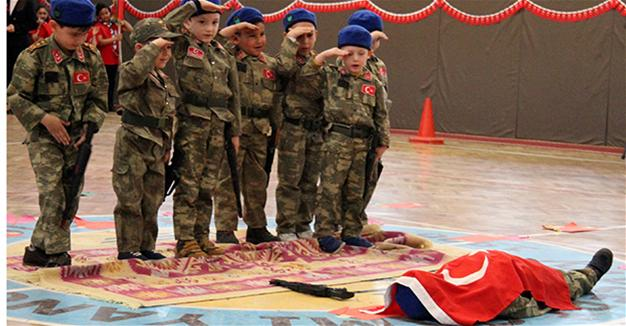 Turkish kindergarten children stage July coup play with fake weapons and death