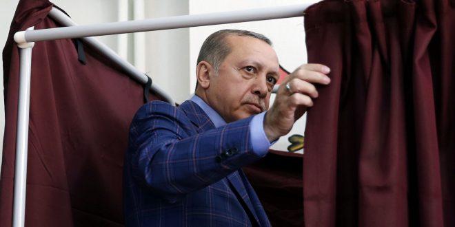 No EU leader congratulates Erdogan awaiting OECD report on Referendum irregularities