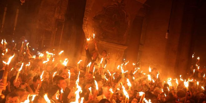 The Miracle of Holy Fire (Holy Light) 2017 – Footage from Jerusalem