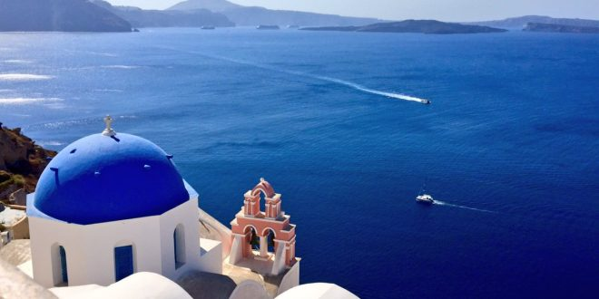 Greece sees big dive in cruise ship arrivals in 2017