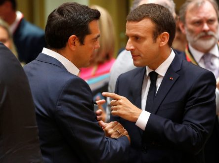"Macron tells Tsipras ""We did it!"", express wish to visit Greece"