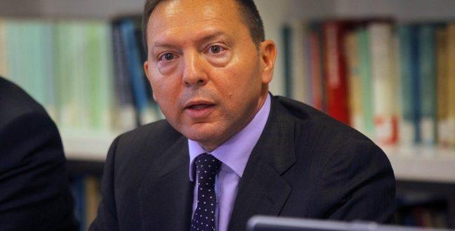 Greece probes Central Bank governor Stournaras over alleged leak