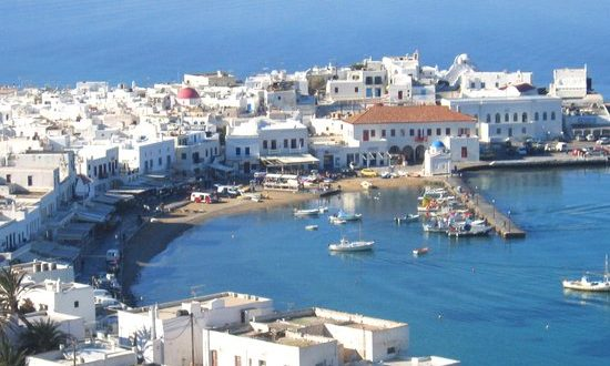 32-year-old American tourist found dead in old port of Mykonos