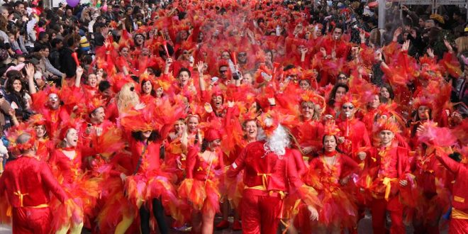 Local traditions in Crazy Greek Carnival – Patras Carnival Live