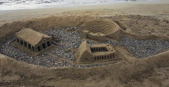 Important Monuments on Ancient Greece on one …beach