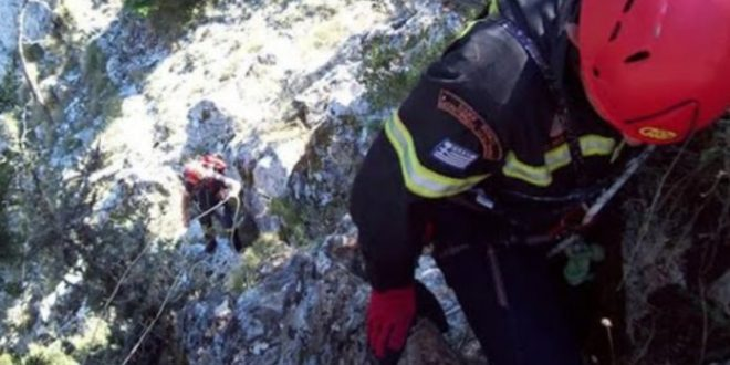 French tourist dies after she falls off a cliff while on hiking tour on Crete